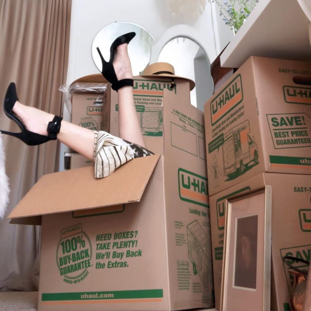 One of your common moving mistakes is not labeling your boxes.