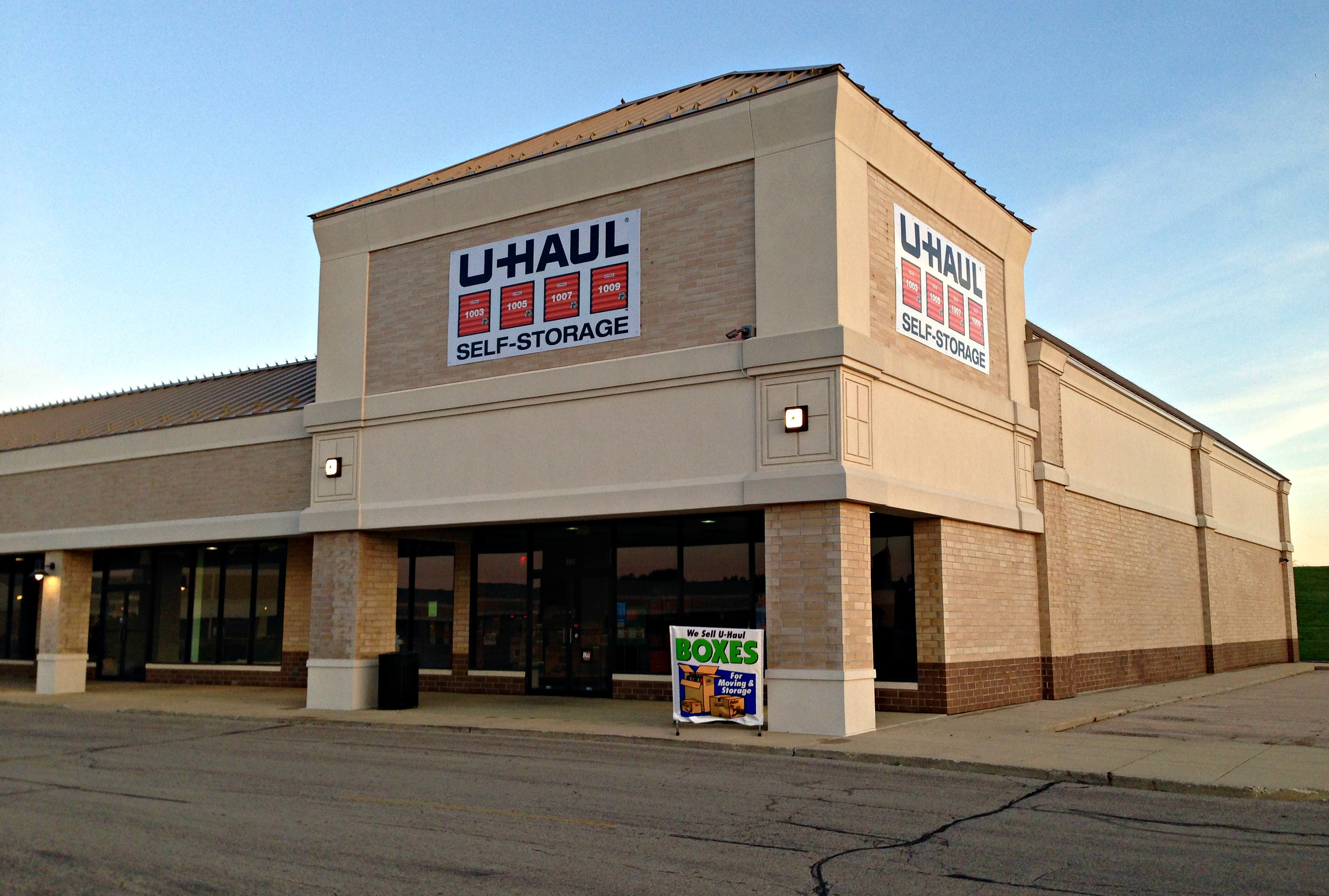 u haul about spring hill mall welcomes u haul moving and storage of spring hill. Black Bedroom Furniture Sets. Home Design Ideas