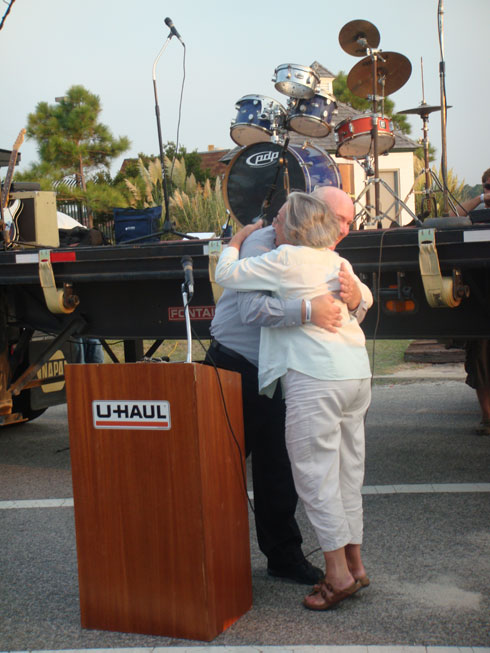 Mayor Sullivan was so pleased to receive her plaque that she thanked Rich Cowell with a hug.